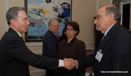 Alvaro Uribe y Humerto de la Calle