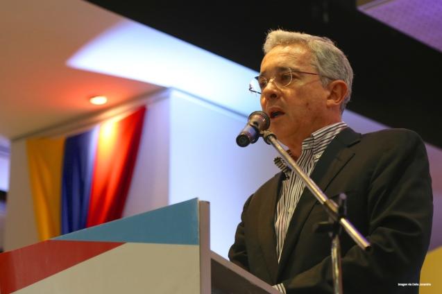 Uribe4